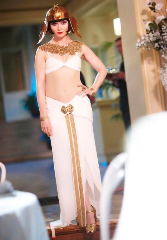 Phryne as Cleopatra