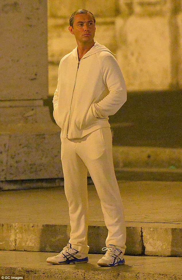 pope-in-track-suit