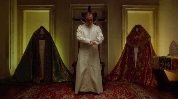 pope-in-white-cassock